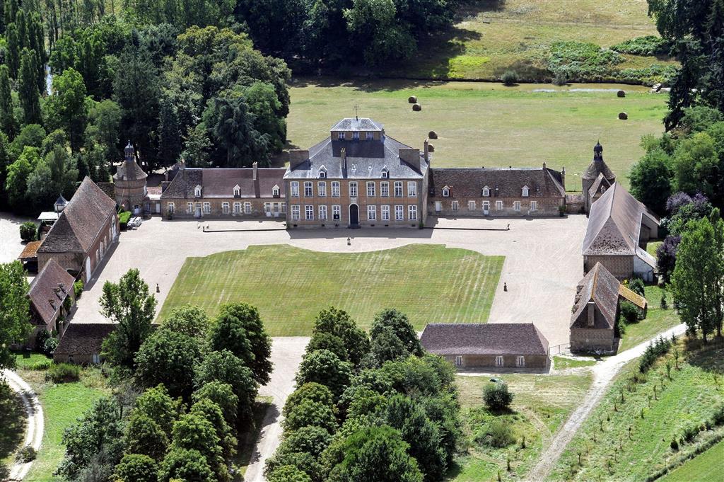 Un Magnifique Domaine au cœur de la France par Patrick Kalita Châteaux Manoirs Belles Demeures de France